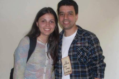 Ênio Lima e a repórter Emanuelle Ribeiro